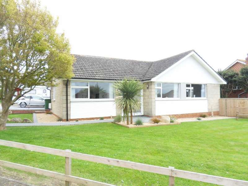 3 Bedrooms Bungalow for sale in Woodside Close, Northwood