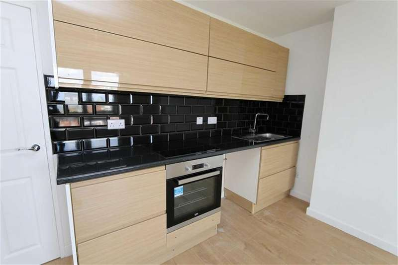 2 Bedrooms Flat for sale in Walmer Terrace, Plumstead, London, SE18