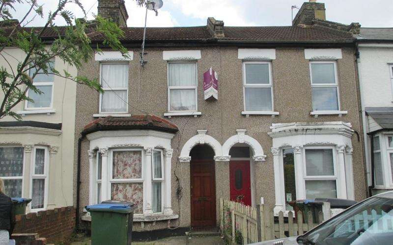 3 Bedrooms Terraced House for sale in Cann Hall Road, Leytonstone, London . E11 3JQ