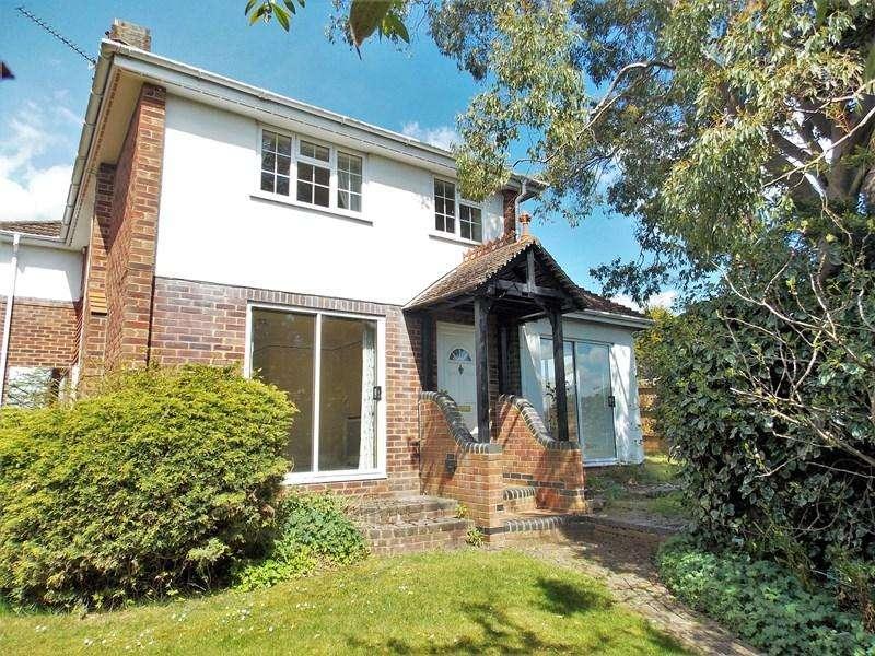 3 Bedrooms Semi Detached House for sale in Swinbrook Close, Tilehurst, Reading