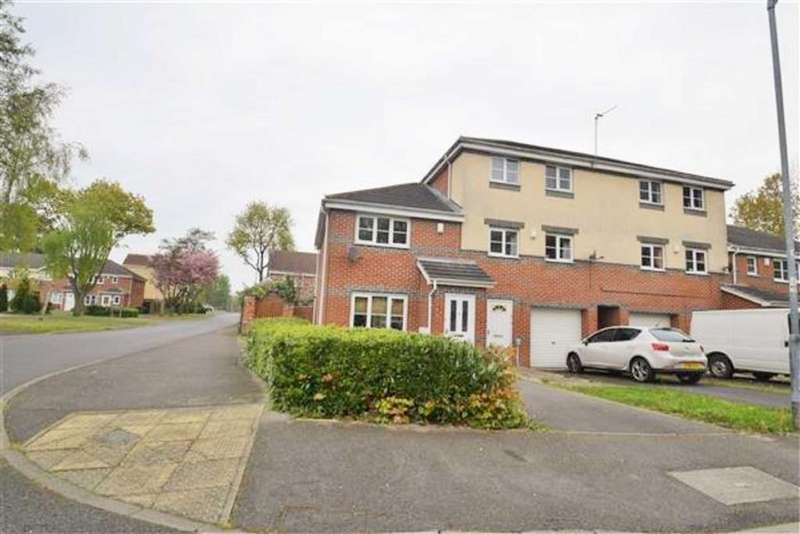 2 Bedrooms Semi Detached House for sale in St Bartholomews Way, Hull, HU8