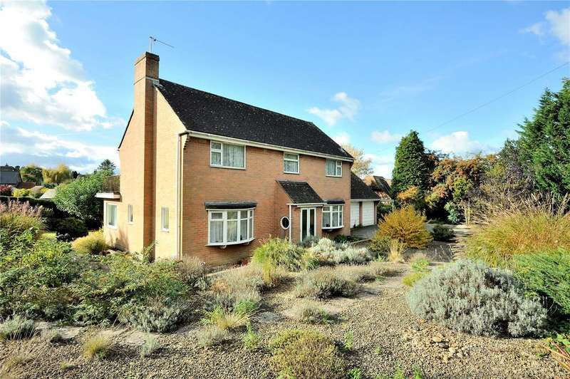3 Bedrooms Detached House for sale in Lurmer Street, Fontmell Magna, Shaftesbury, Dorset