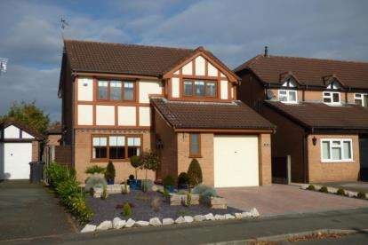 4 Bedrooms Detached House for sale in Norbreck Close, Great Sankey, Warrington, Cheshire