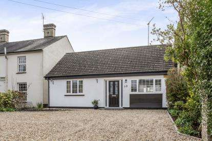 3 Bedrooms Bungalow for sale in Harston, Cambridge, Cambridgeshire