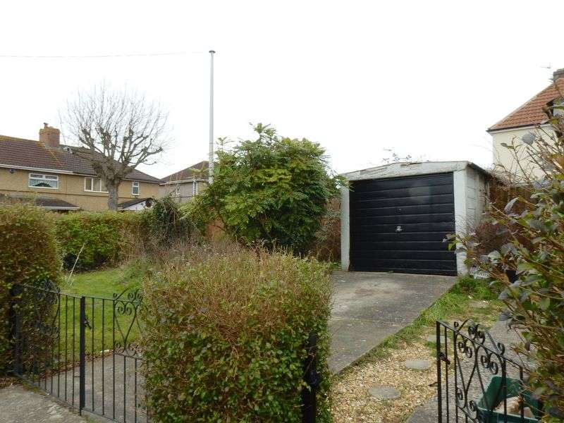 3 Bedrooms Semi Detached House for sale in Crossways Road, Knowle Park, Bristol