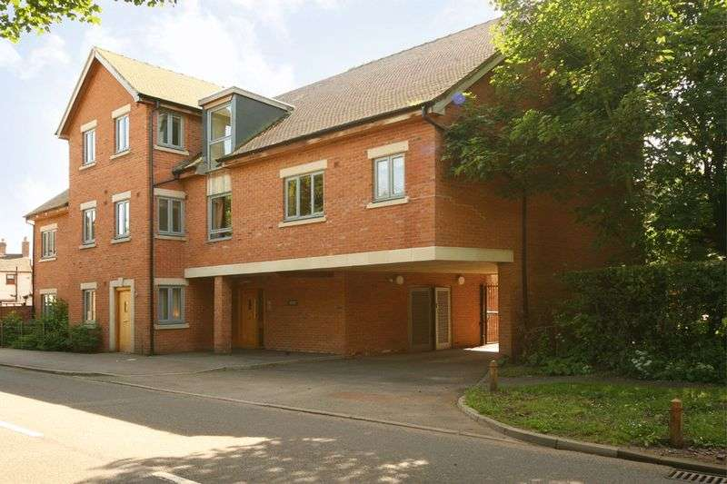 2 Bedrooms Flat for sale in 44 Castle Mews, Castle Street, Eccleshall, Staffordshire