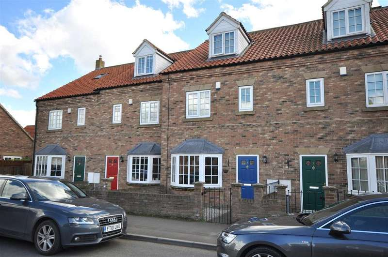 3 Bedrooms Terraced House for sale in Sowerby