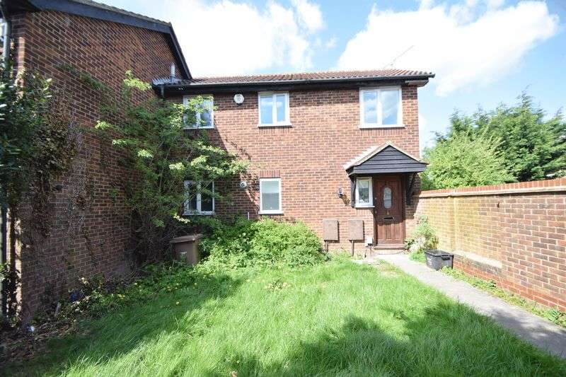 3 Bedrooms Terraced House for sale in Rudyard Close, Luton