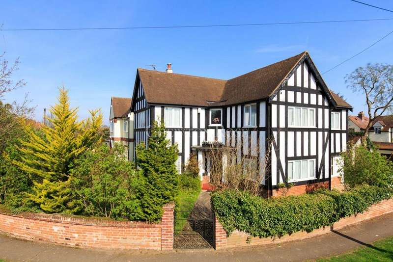 4 Bedrooms Detached House for sale in Lexden