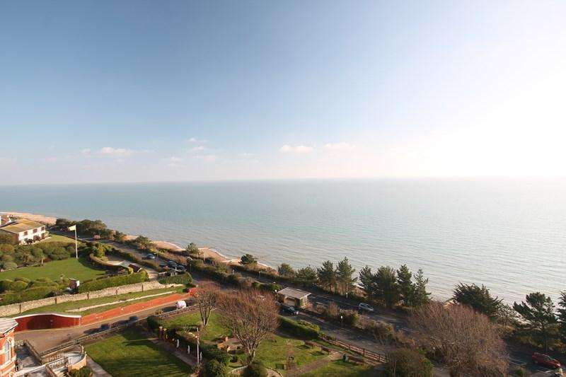 2 Bedrooms Apartment Flat for sale in Bolsover Road, Eastbourne
