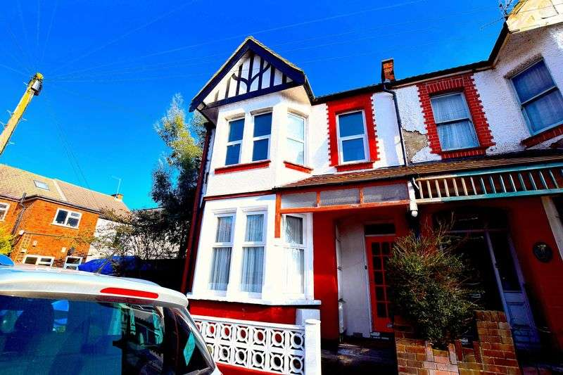 1 Bedroom Flat for sale in Electric Avenue, Westcliff-On-Sea