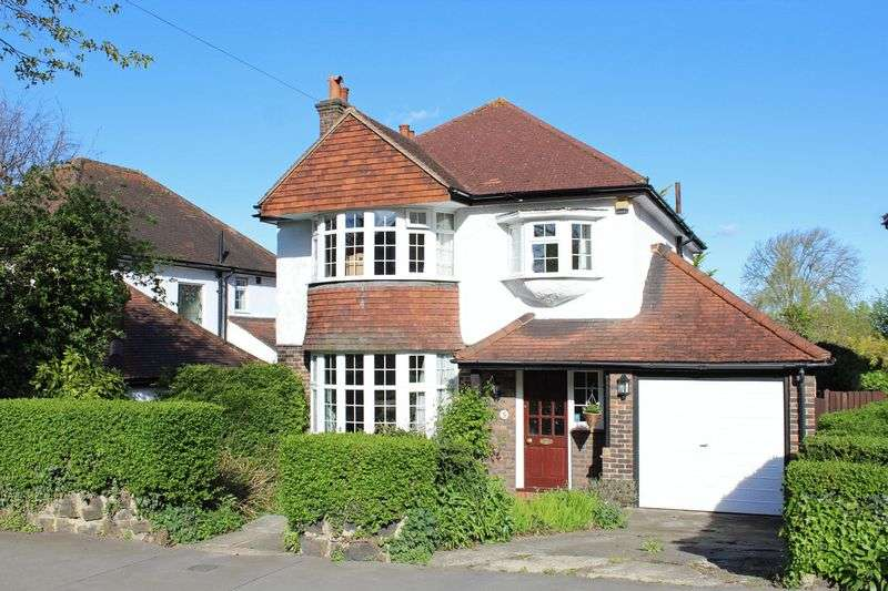 3 Bedrooms Detached House for sale in Hurst View Road, South Croydon, Surrey