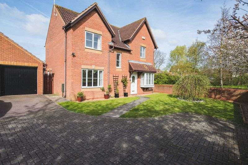 4 Bedrooms Detached House for sale in Curtis Croft, Shenley Brook End, Milton Keynes