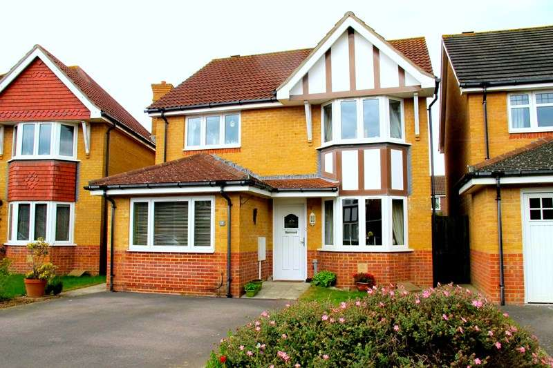 3 Bedrooms Detached House for sale in Bryson Close, Lee-On-The-Solent