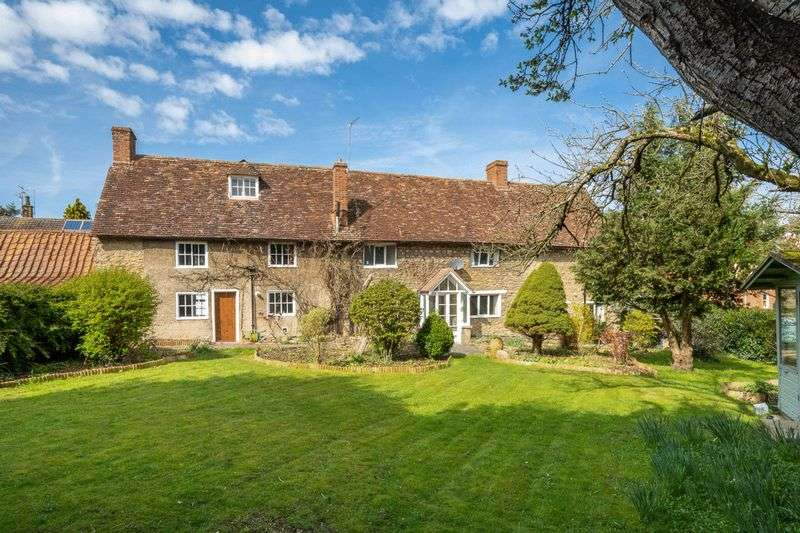 5 Bedrooms Detached House for sale in High Street, Sharnbrook, Bedfordshire