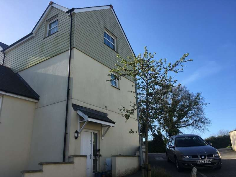 2 Bedrooms Apartment Flat for sale in St. Nazaire Close, Falmouth