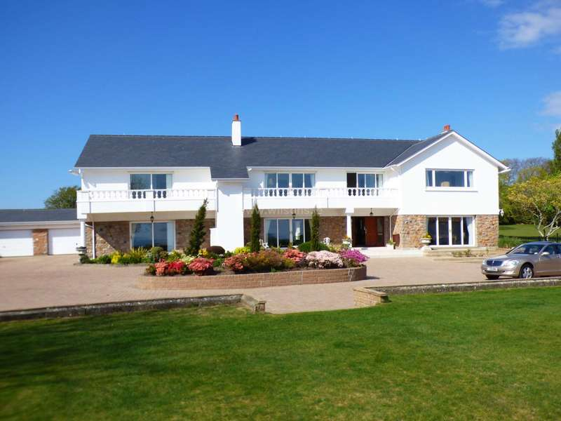 5 Bedrooms Detached House for sale in St Lawrence