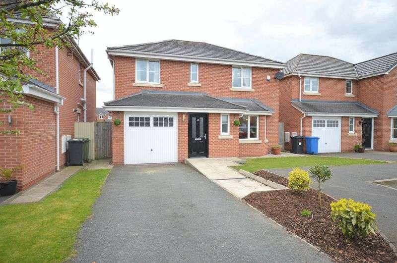 4 Bedrooms Detached House for sale in Mildenhall Close, Warrington