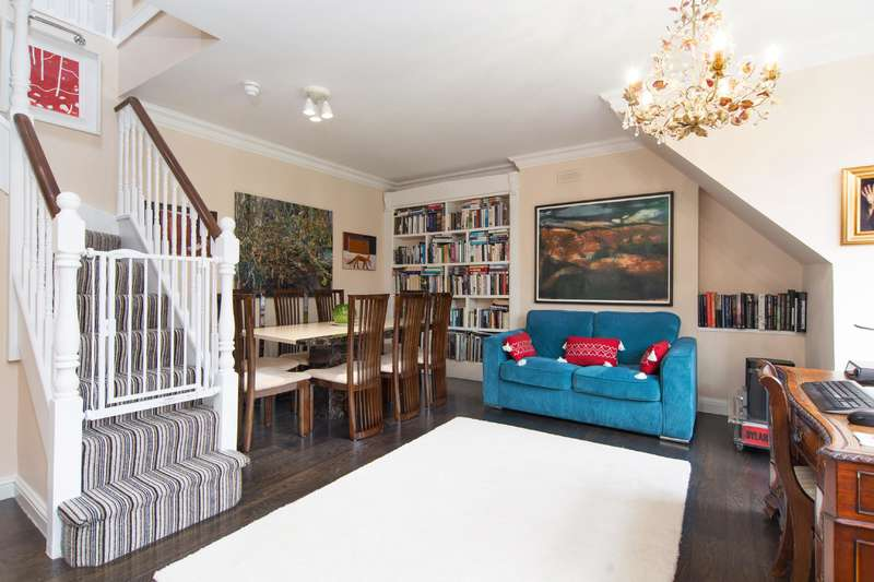 3 Bedrooms Flat for sale in Bracknell Gardens, Hampstead