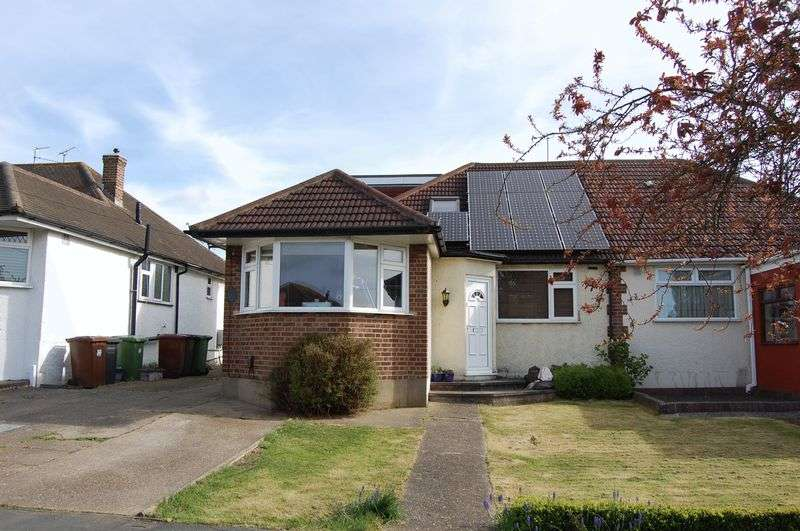 4 Bedrooms Semi Detached Bungalow for sale in Sunnybank Road, Potters Bar