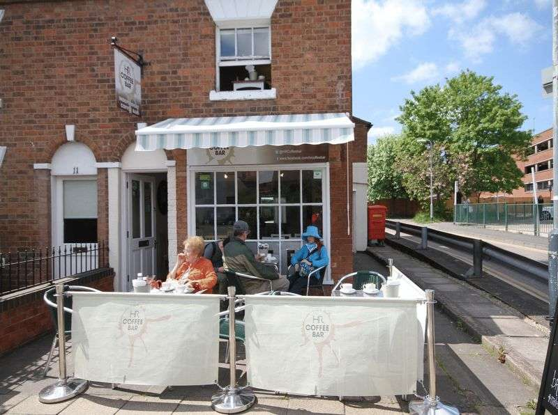 Property for sale in Excellent leasehold cafe / sandwich shop