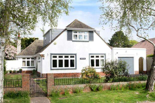 4 Bedrooms Detached Bungalow for sale in Preston Avenue, Rustington, West Sussex, BN16
