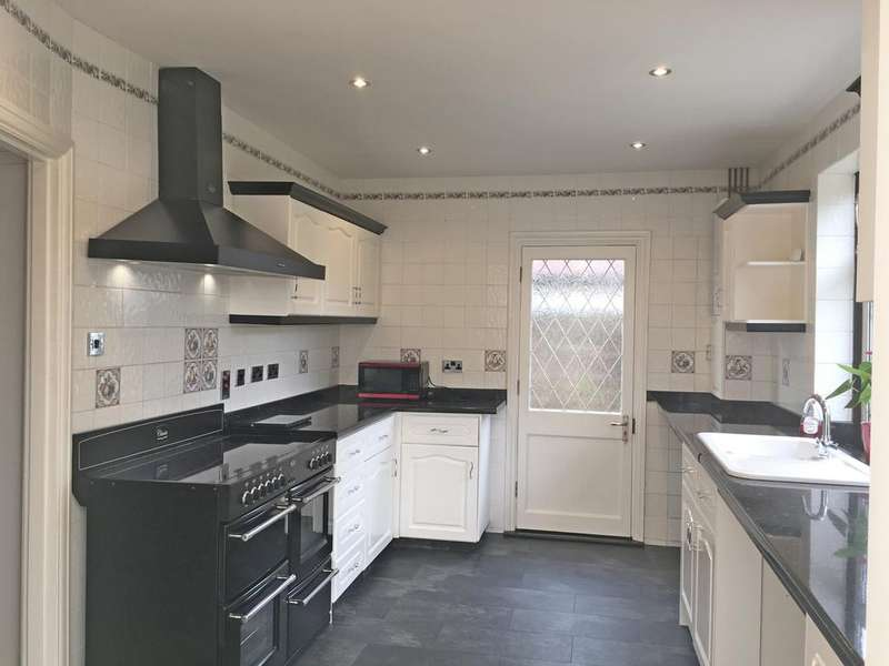 5 Bedrooms Chalet House for sale in TUDOR AVENUE, WORCESTER PARK KT4