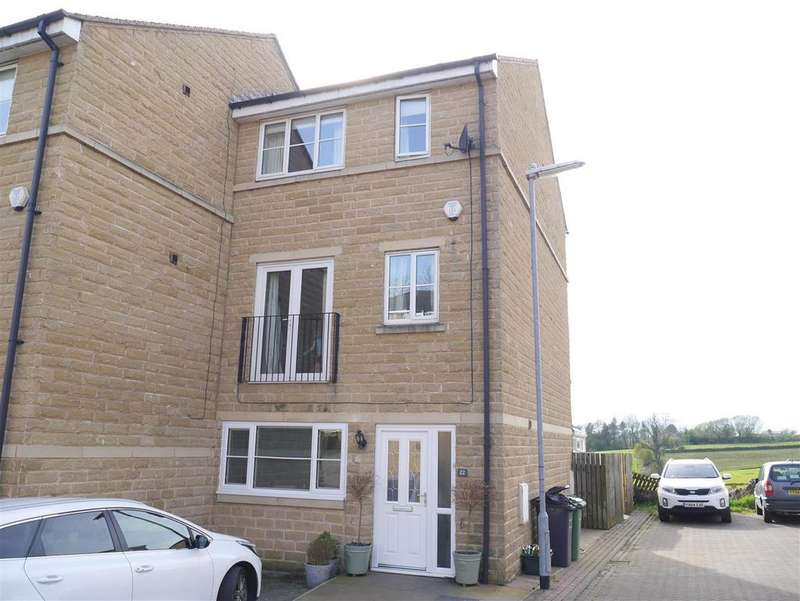 4 Bedrooms Town House for sale in Bank View, Birkenshaw,