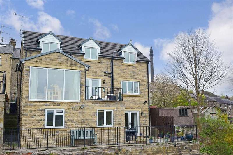 5 Bedrooms Detached House for sale in Darnes Avenue, Halifax