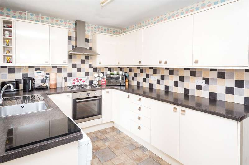 2 Bedrooms Semi Detached House for sale in Broadstone Way, York, YO30