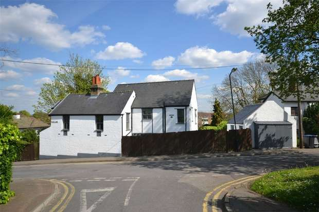 4 Bedrooms Detached House for sale in Elms Lane, WEMBLEY, Middlesex