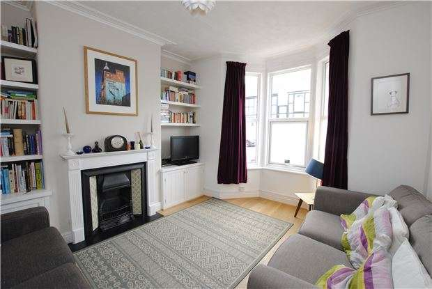 3 Bedrooms Terraced House for sale in Carrington Road, Ashton, Bristol, BS3 2AQ