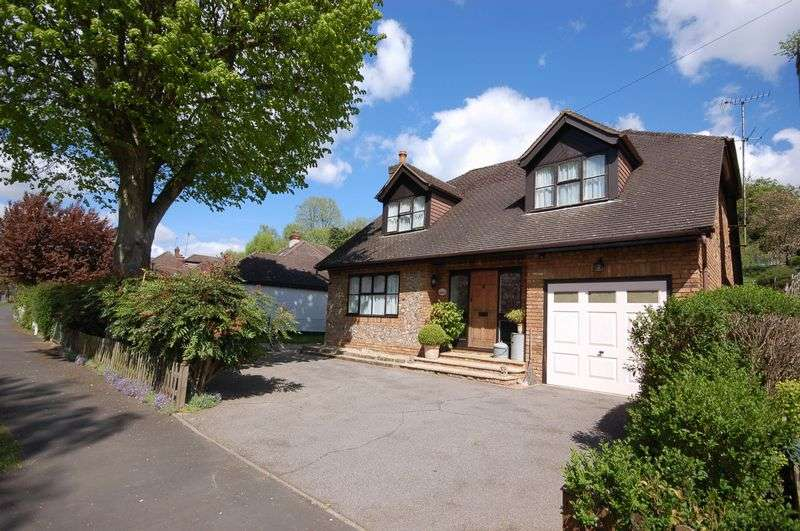 4 Bedrooms Detached House for sale in Whitelands Avenue, Chorleywood, WD3 5RG