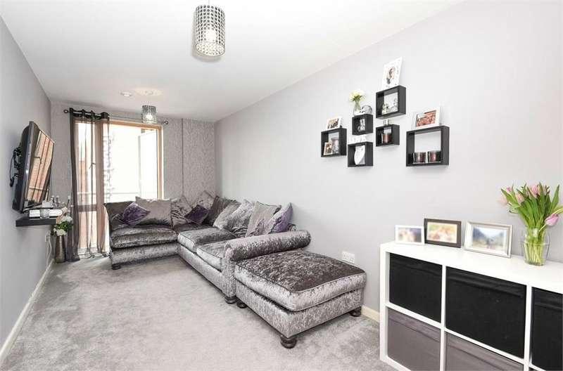 1 Bedroom Flat for sale in Emma House, 2 Market Link, Romford, Essex