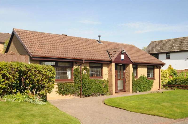 2 Bedrooms Detached Bungalow for sale in Peckforton Drive, Sutton Weaver