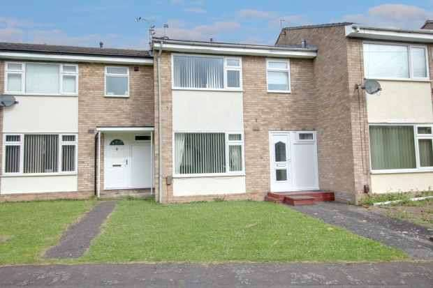 3 Bedrooms Town House for sale in Bodiam Court, Ellesmere Port, Cheshire, CH65 9HB