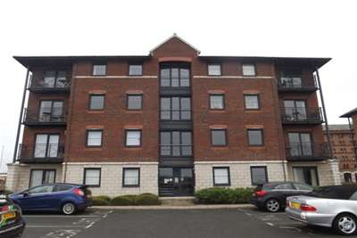 2 Bedrooms Flat for rent in Waterloo Quay, Liverpool L3