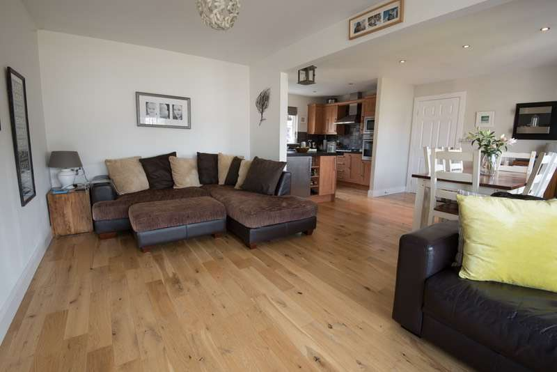 4 Bedrooms Bungalow for sale in Burns brae, Aberfeldy, Perthshire, PH15