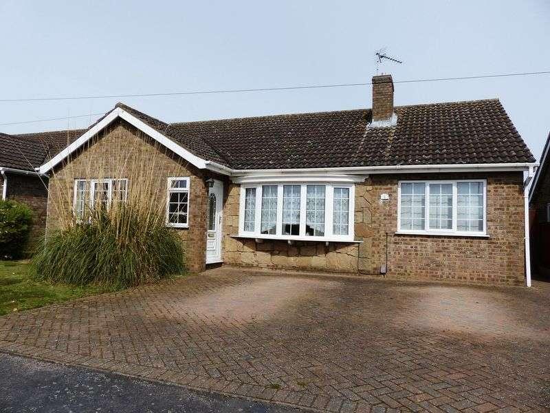 3 Bedrooms Detached Bungalow for sale in Exmoor Close, North Hykeham