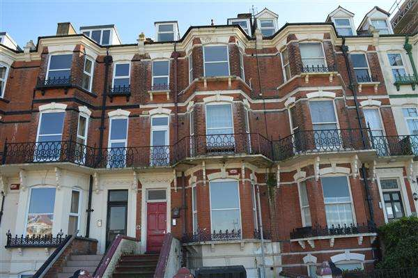 8 Bedrooms Terraced House for sale in Eastern Esplanade, Margate