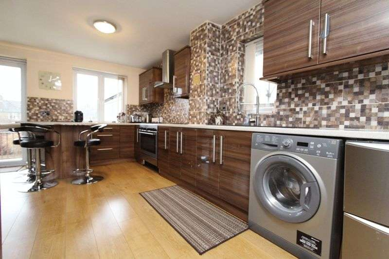 3 Bedrooms Semi Detached House for sale in Lincoln Road, Walsall