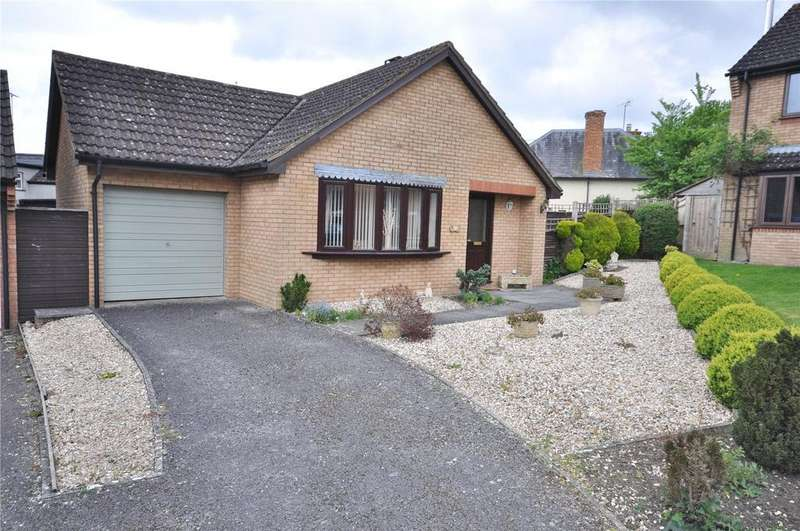 2 Bedrooms Detached Bungalow for sale in Willowbrook, Purton, Nr Swindon, Wiltshire, SN5