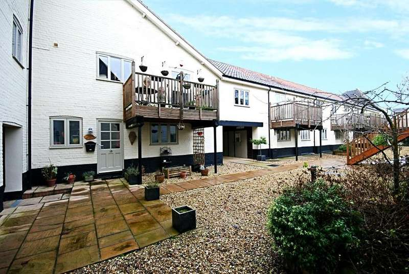 3 Bedrooms Terraced House for sale in Station Road, Pulham St. Mary