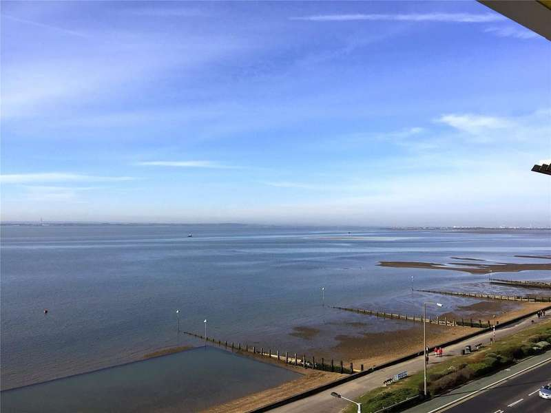 3 Bedrooms Flat for sale in W6 The Shore, 22-23 The Leas, Westcliff-on-Sea, Essex, SS0