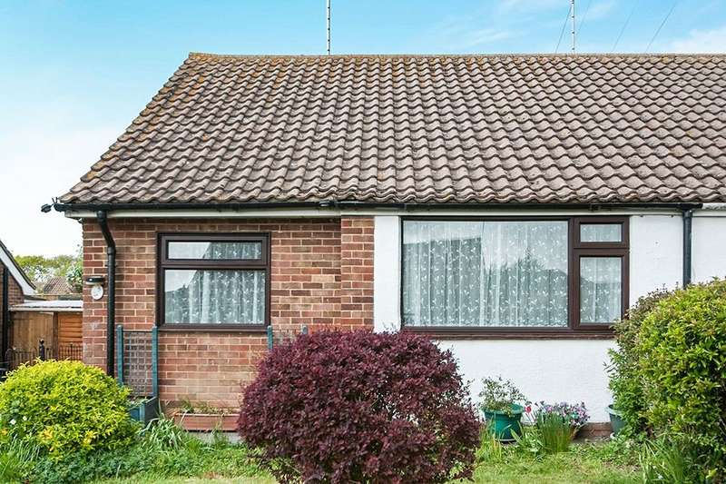 2 Bedrooms Semi Detached Bungalow for sale in Hastings Close, Polegate, BN26