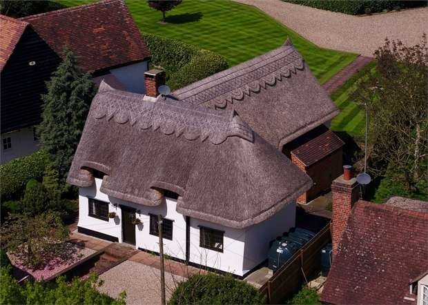 4 Bedrooms Detached House for sale in Braintree Road, Stebbing, Great Dunmow, Essex