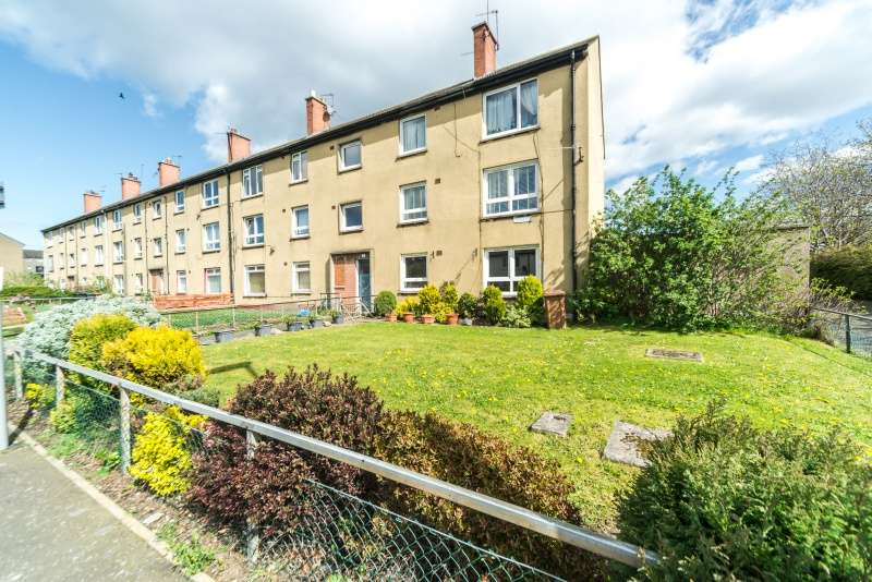 3 Bedrooms Flat for sale in Magdalene Medway, Duddingston, Edinburgh, EH15 3DL