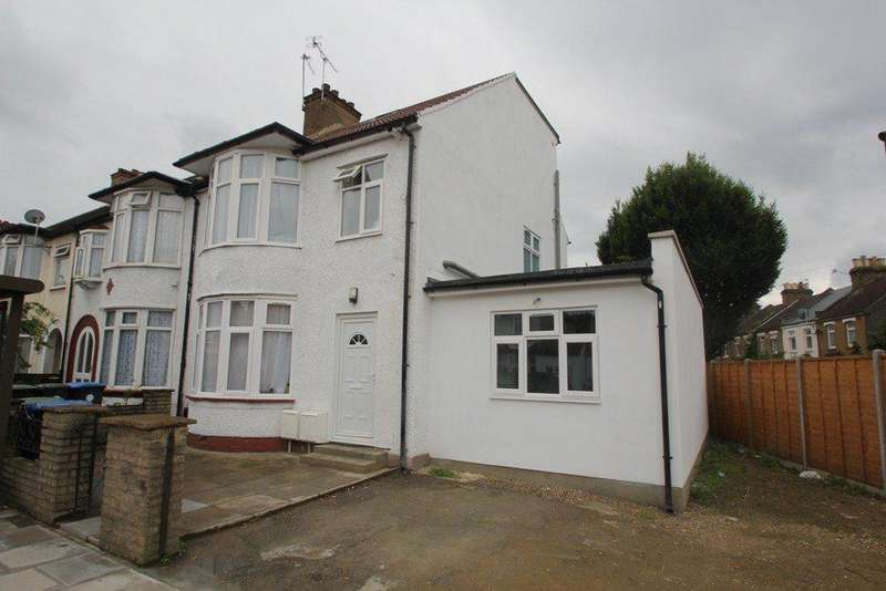3 Bedrooms Flat for sale in Southbury Road, Enfield, EN1
