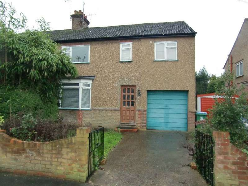 4 Bedrooms Semi Detached House for sale in First Avenue, Garston, Watford