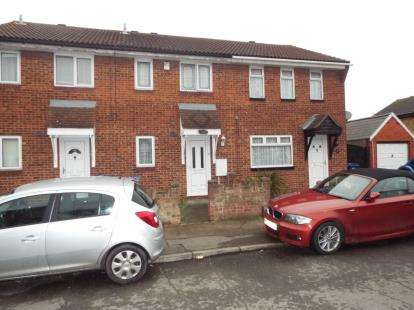 2 Bedrooms Terraced House for sale in Tilbury, Essex